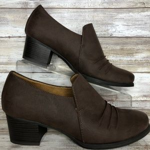 Natural Soul Star 8M Brown Pleated Ankle Bootie
